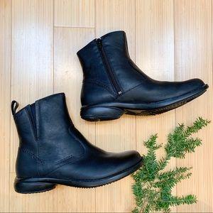 NIB!  MERRELL Tetra Catch black ankle boots, 8.5.